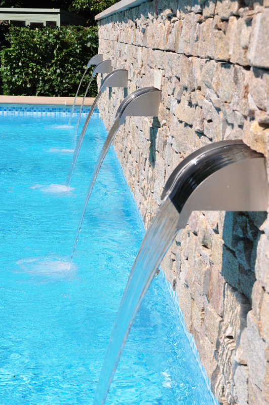 Water Features | Lagoon Pools | Designing & installing luxury bespoke swimming pools for over 40 years